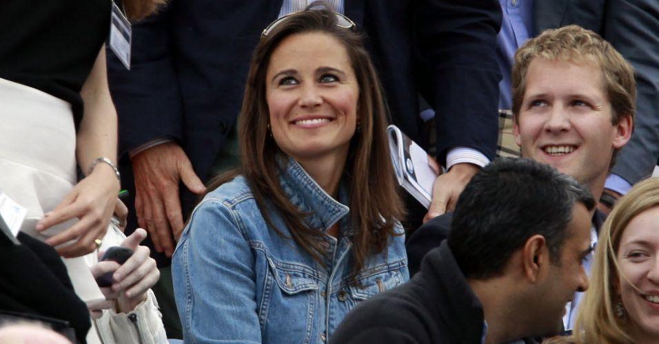 Pippa Middleton, irmã da duquesa britânica Kate, acompanha a vitória de Andy Murray sobre o sérvio Janko Tipsarevic