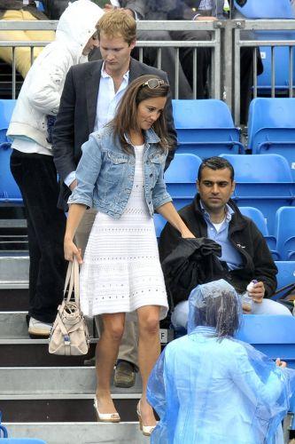 Pippa Middleton chega para acompanhar as partidas do Torneio de Queen's, em Londres