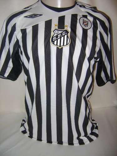 1a4e472ad294a Camisa retrô do Santos em homenagem ao uniforme usado pelo clube em 1913  Reprodução Mais ...