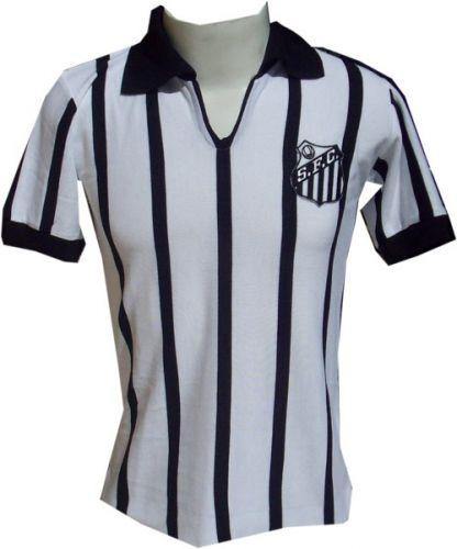 1e2821ed90002 Camisa retrô faz homenagem à equipe que defendeu o Santos em 1963  Divulgação Mais ...