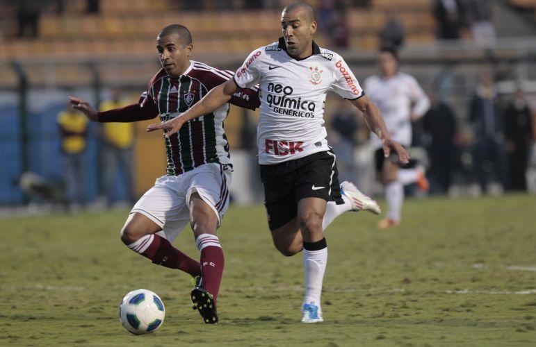 Émerson fez sua estreia com a camisa do Corinthians neste domingo justamente contra a sua ex-equipe, o Fluminense
