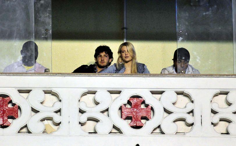 Alexandre Pato leva namorada para companhar partida do Vasco da Gama durante férias no Rio de Janeiro