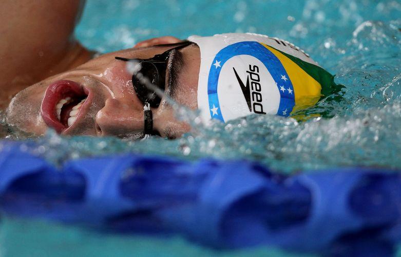 Revelação da natação brasileira, Bruno Fratus treina no Centro Esportivo Crystal Palace, em Londres, visando o Aberto de Paris, nos dias 25 e 26 de junho