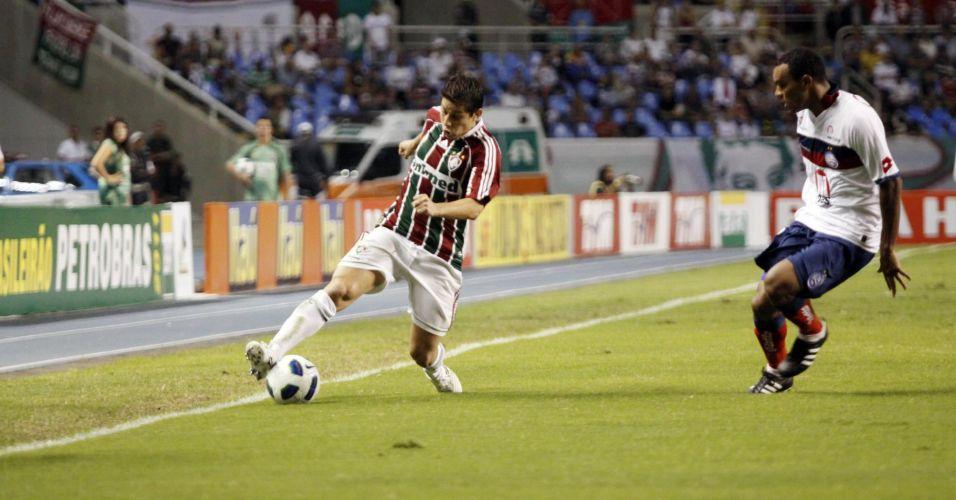 Conca disputa a bola durante a derrota por 1 a 0 para o Bahia pela quinta rodada do Brasileirão no Engenhão