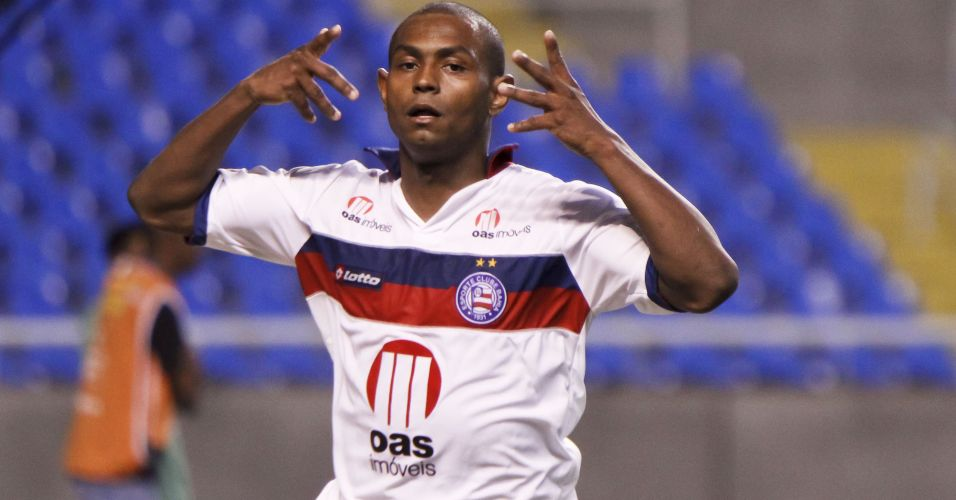 Jbson comemora o gol da vitria do Bahia sobre o Fluminense, marcado aos 47 minutos do segundo tempo