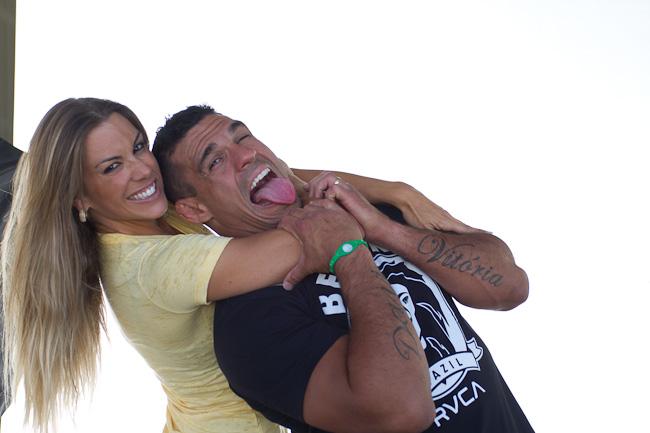 Um dos casais famosos no mundo das celebridades, Joana Prado, a ex-Feiticeira, e o lutador de MMA Vitor Belfort moram hoje nos Estados Unidos, longe da badalação e próximos das melhores condições de treinos para o ex-campeão