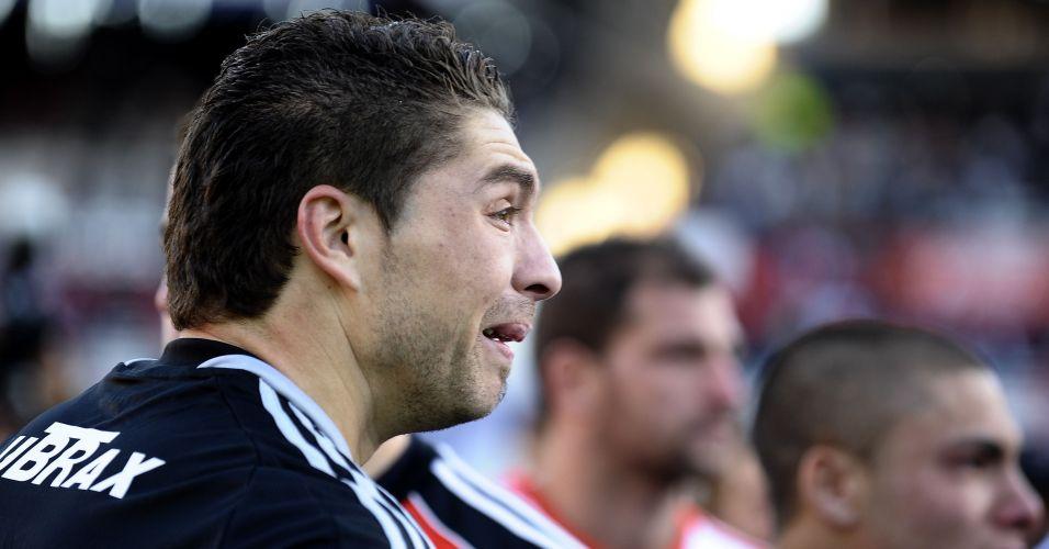 Goleiro Carrizo, que acumulou falhas na temporada, se emociona com rebaixamento do River Plate no Argentino