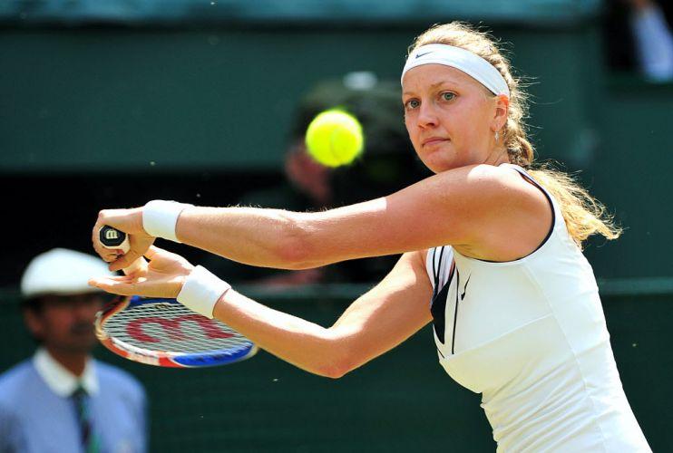 Tcheca Petra Kvitova chega a sua primeira final de Grand Slam e conquista título de Wimbledon após vitória por 2 a 0 sobre Maria Sharapova