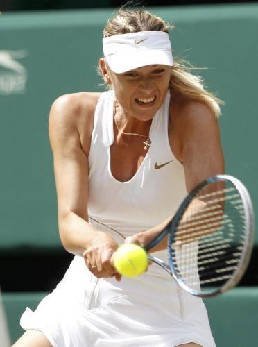 Russa Maria Sharapova devolve bola da tcheca Petra Kvitova na final de Wimbledon; número 8 do mundo vence a musa e é a 1ª tenista da República Tcheca a vencer na grama inglesa desde 1998