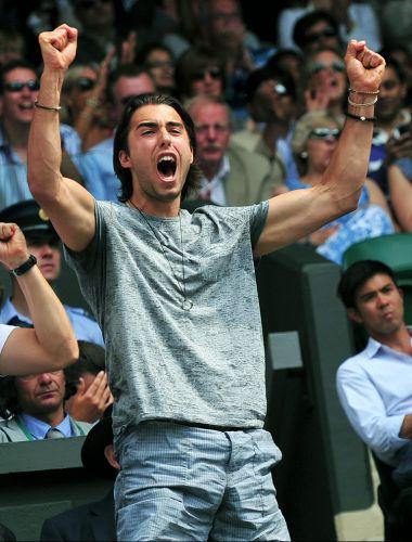 Noivo de Maria Sharapova, Sasha Vujacic foi um ativo torcedor na final em Wimbledon. No entanto, o jogador de basquete viu a amada perder a decisão para a tcheca Petra Kvitova por 2 a 0