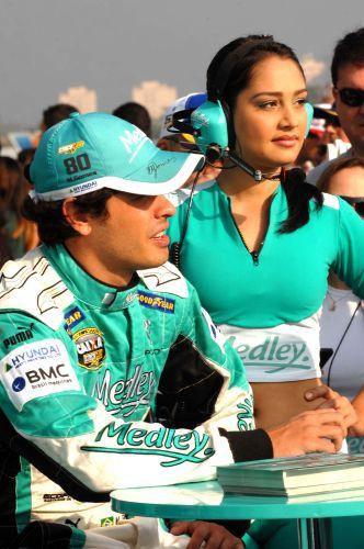 Marcos Gomes e Thaís fazem últimos ajustes antes da prova da Stock Car em Jacarepaguá