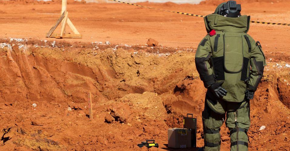 Apesar de ser apenas um teste piloto com o objetivo de checar os procedimentos mais adequados nos estádios para ações de identificação e inutilização de artefatos explosivos, a vistoria pretende garantir que nenhuma bomba seja instalada no interior de estruturas