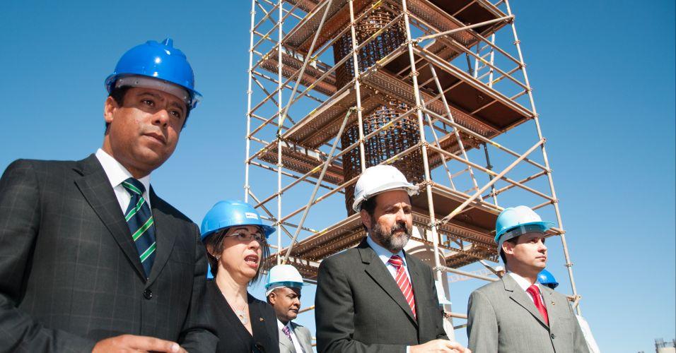 A demonstração foi acompanhada pelo ministro do Esporte, Orlando Silva, pelo governador do Distrito Federal, Agnelo Queiroz, e pela secretária nacional de Segurança Pública do Ministério da Justiça, Regina Miki
