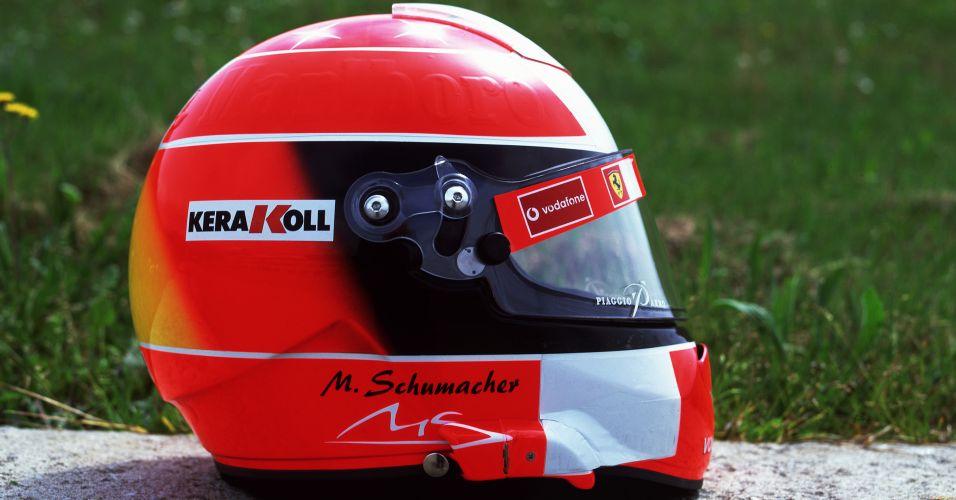 Maior campeão da Fórmula 1, com sete títulos, Michael Schumacher teve o desenho de seu capacete criado por Sid Mosca