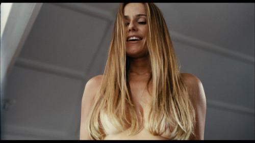 Deborah Secco em cena do filme