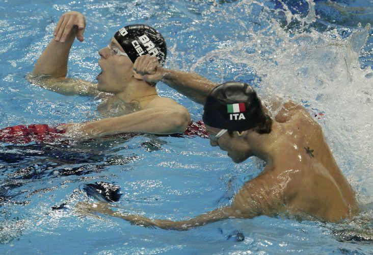 Cesar Cielo superou o italiano Luca Dotto e conquistou a medalha de ouro nos 50m livres no Mundial de Esportes Aquáticos em Xangai (China)
