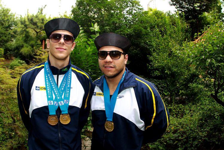 Cesar Cielo e Felipe França ganharam três medalhas de ouro para o Brasil no Mundial. Cielo faturou os 50m livre e borboleta, enquanto França levou a melhor nos 50m peito