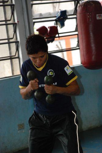 Adriana Araújo jogava futebol nas categorias de base do Vitória antes de se decidir pelo boxe.