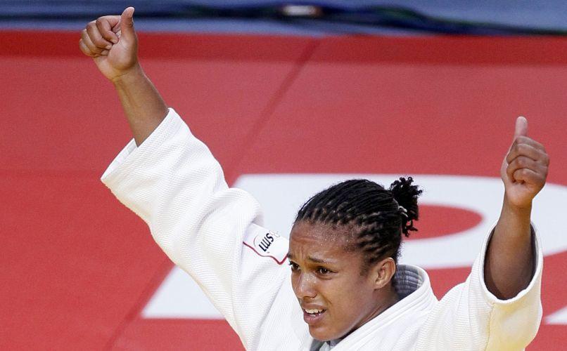 Todos sabem que o judô é marcado pela sobriedade japonesa. Mas, em Paris, os judocas esqueceram a etiqueta e não tiveram vergonha de mostrar emoção. Uma delas foi a marrenta francesa Lucie Decosse, ouro nos 70kg e agora tricampeã mundial