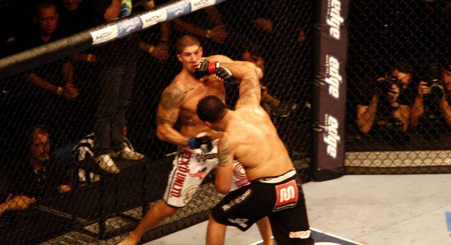 Após uma série de socos, Minotauro conseguiu desequilibrar Brendan Schaub e liquidar a luta ainda no primeiro assalto, para delírio da torcida brasileira