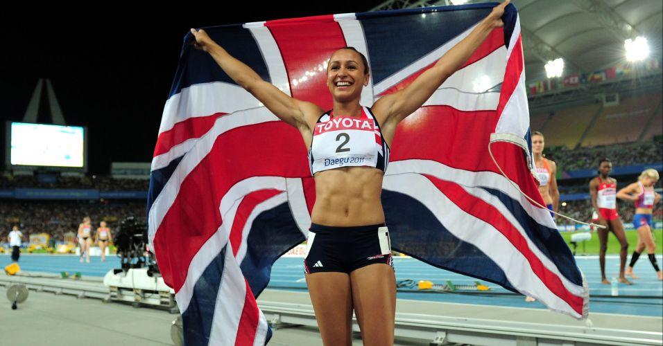 Britânica Jessica Ennis esbanja boa forma durante comemoração da medalha de prata no heptatlo em Daegu