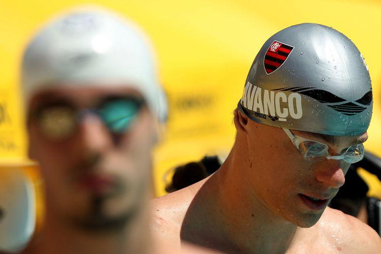 Cesar Cielo confirmou o favoristimo na final dos 50 m livre e deixou os rivais Nicholas Santos e Bruno Fraus pra trás, conquistando a medalha de ouro com direito a índice olímpico