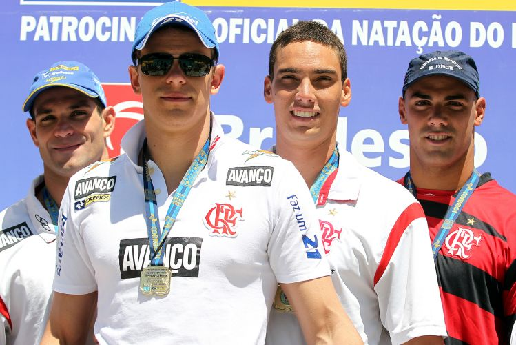 Cesar Cielo liderou mais uma vitória do Flamengo no revezamento, dessa vez no 4x100 m livre