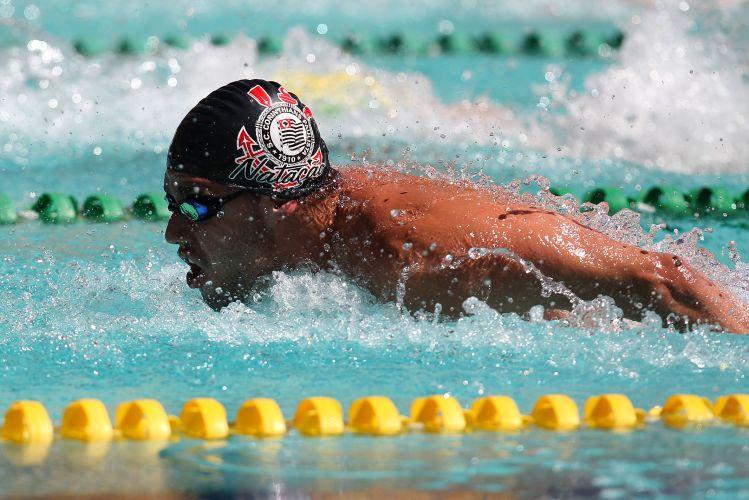 Thiago Pereira sobrou na final dos 200 m medley e garantiu mais uma vitória para o Corinthians no José Finkel