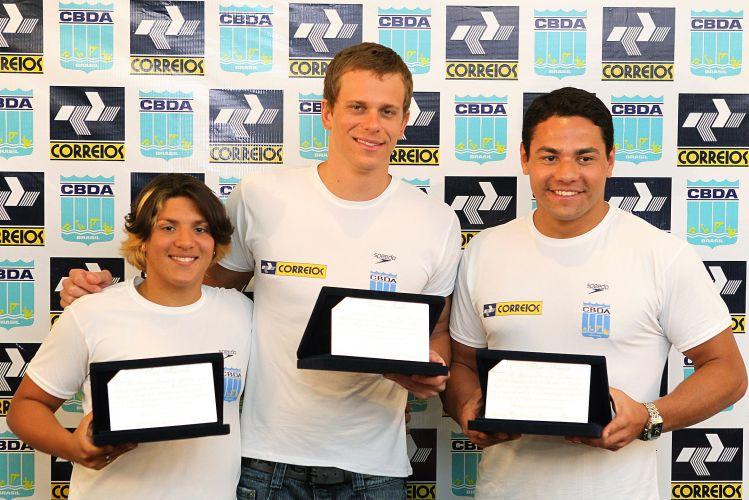Ana Marcela Cunha, Cesar Cielo e Felipe França são homenageados pelos Correios em Brasília. Os dois primeiros foram convidados a acompanhar a presidente Dilma Rousseff na comemoração de 7 de setembro