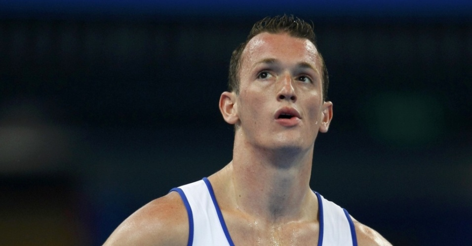 Diego Hypolito é a principal aposta de medalhas da ginástica, esteve perto do ouro olímpico em Pequim e está voltando ao ápice da forma física após lesões graves. Será que ele deve ser o escolhido?