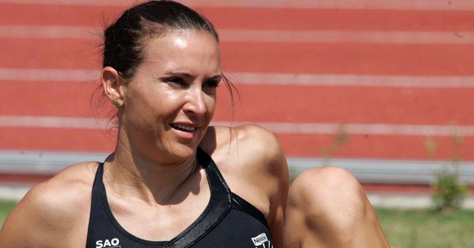 Maurren Maggi foi a primeira mulher a conquistar um ouro individual em uma Olimpíada e segue favorita no salto em distãncia. A veterena atleta é a ideal para liderar a delegação brasileira?