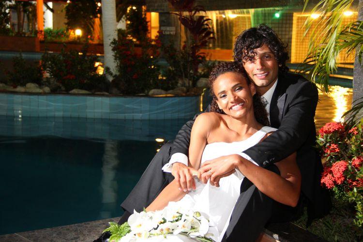 Casal Alexandra e Patrício Martínez em foto do casamento. A brasileira espera contar com a sorte para encontrar com o marido chileno no Pan