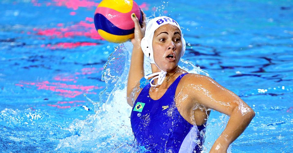 Seleção brasileira feminina de polo aquático estreou no Pan com vitória por 8 a 5 sobre o México