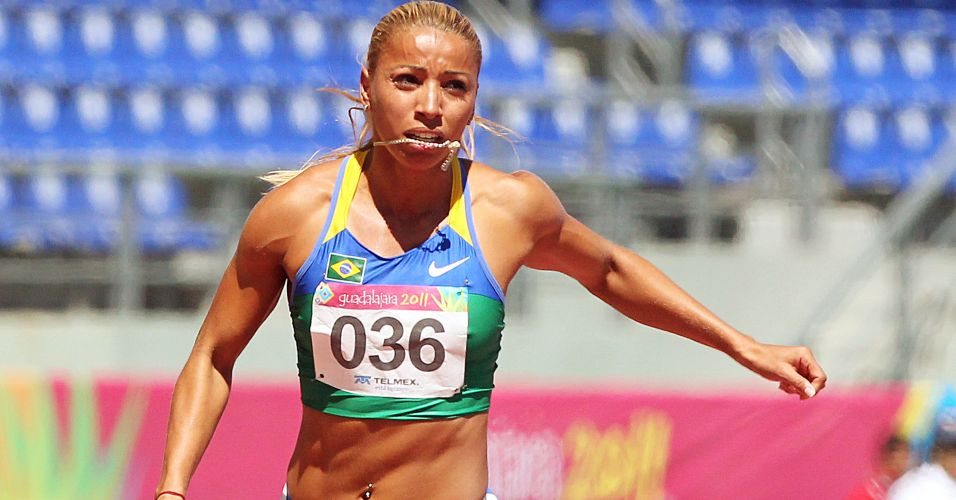 Lucimara Silvestre vence sua srie dos 100 m com barreiras do heptatlo