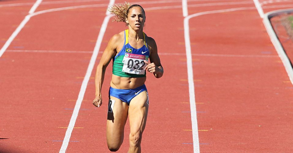 Brasileira Geisa Coutinho corre os 400 m e avana  final da prova