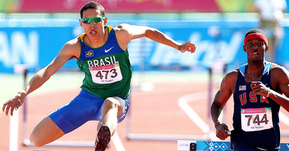 Nos 400 m com barreiras, Mahau Suguimati ficou em primeiro em sua bateria de semifinal, com o tempo de 50s20