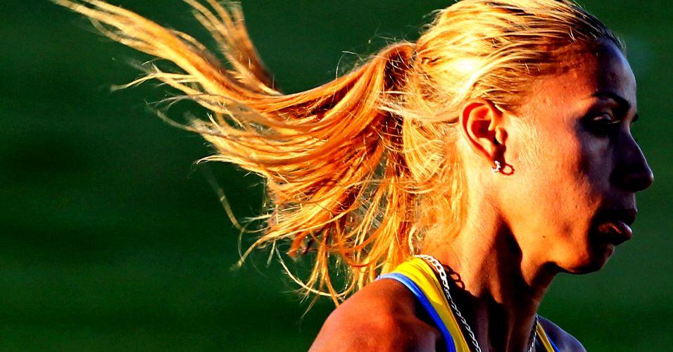 Lucimara Silvestre ficou com o ouro no heptatlo, após dominar toda a prova; ela vinha de bronze no Rio-2007