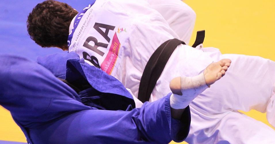 Tiago Camilo aplica ippon em rival cubano para conquistar seu segundo ouro seguido em Pans
