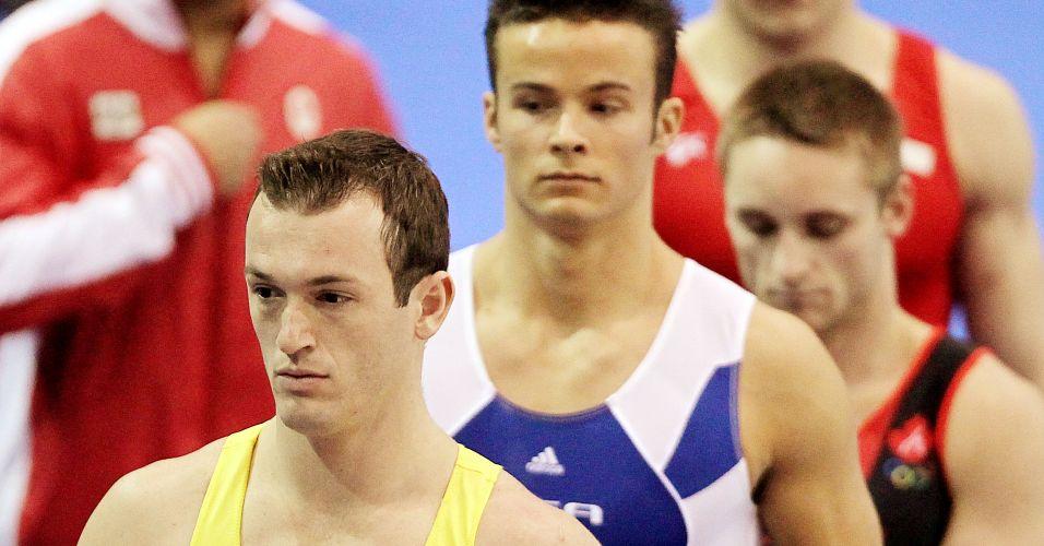 Diego Hypolito se prepara para a disputa da prova de salto; brasileiro conquistou sua terceira medalha de ouro no Pan-2011