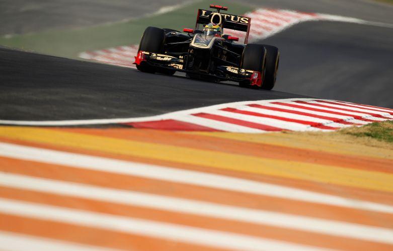 Bruno Senna teve um bom desempenho nos treinos livres desta sexta-feira (28) no circuito de Buddh e foi o oitavo mais rápido do dia no circuito indiano, que recebe uma corrida de Fórmula 1 pela primeira vez