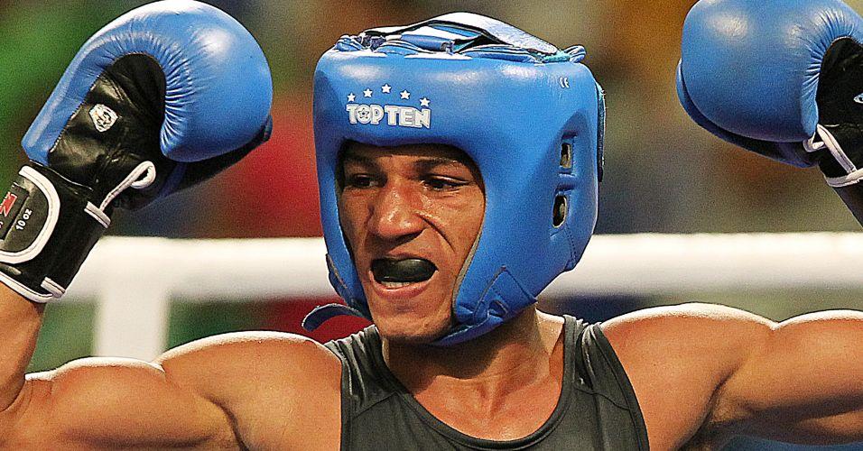 Robson Conceição comemora como se tivesse vencido, mas acaba com a prata no Pan