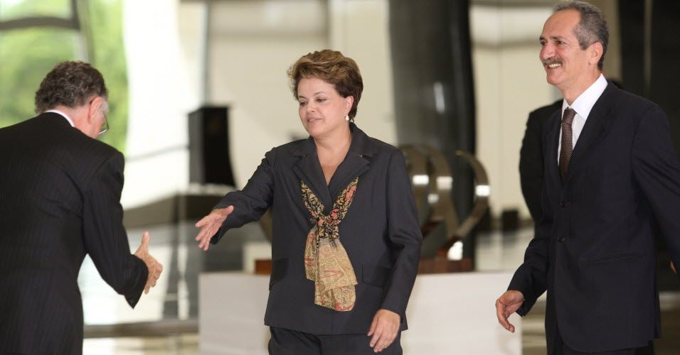 Presidente do COB Carlos Arthur Nuzman recebe presidente Dilma Rousseff e o novo ministro dos esportes Aldo Rebelo