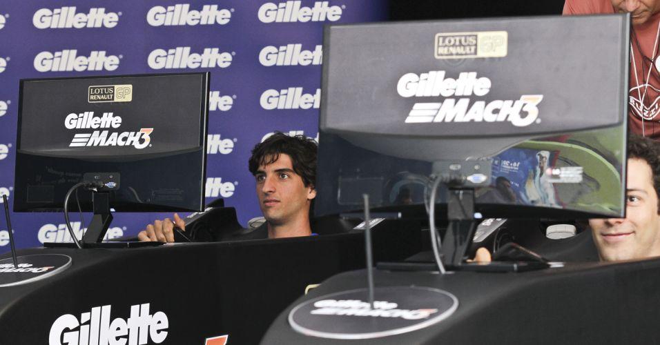 Thomaz Bellucci e Bruno Senna fazem disputa em simulador de Fórmula 1
