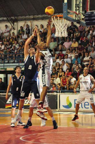 Brasília anota dois pontos para o Uberlândia contra o Minas Tênis