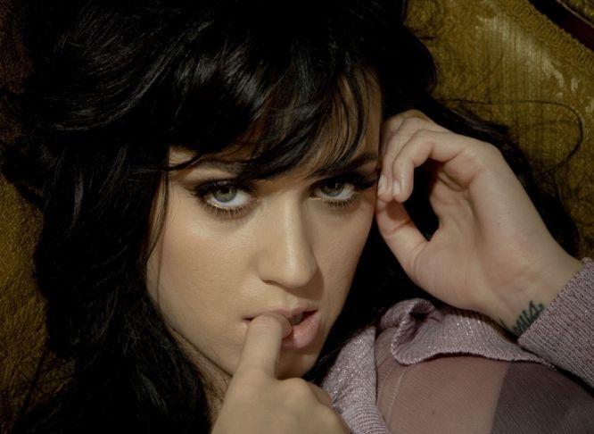 Katy Perry e Tim Tebow seria um casal curioso, mas os pais da cantora vão se esforçar para aproximar ambos