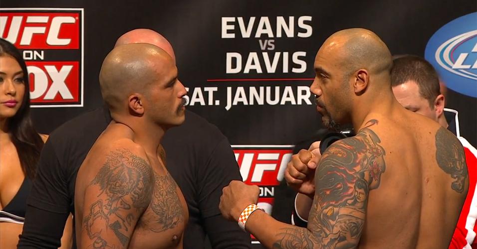 Joey Beltran e Lavar Johnson se encaram antes da luta da categoria pesado neste sábado