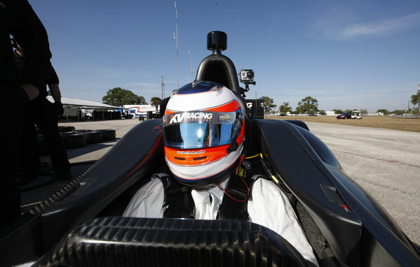Rubens Barrichello durante o teste no carro da equipe KV Racing, da Frmula Indy; brasileiro aceitou o teste aps convite do amigo Tony Kanann, que corre pela equipe
