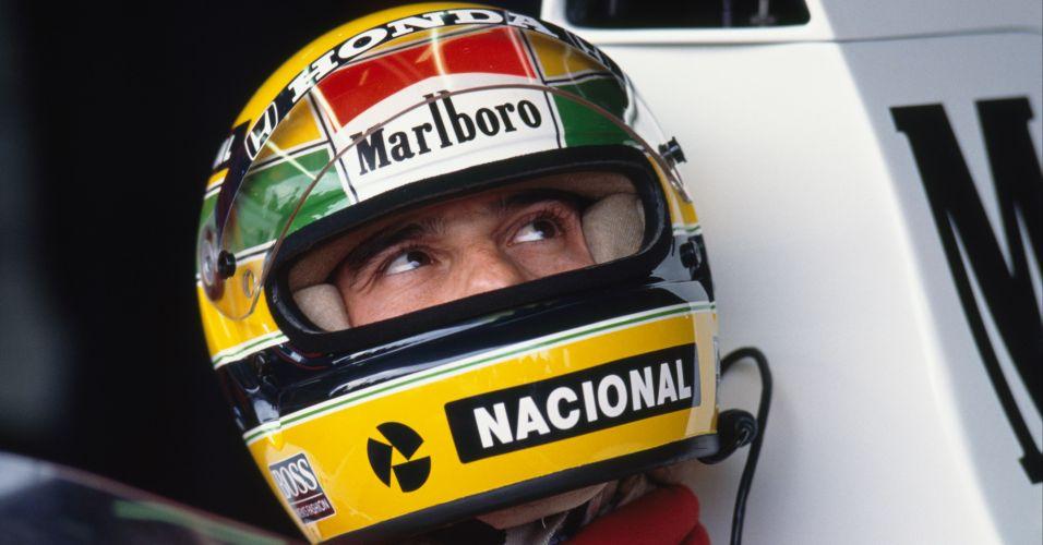 Ayrton Senna sempre usava verde e amarelo em seus capacetes. Este modelo é o de 1989