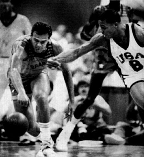 Comandados por Oscar (46 pontos), os brasileiros bateram os norte-americanos no basquete