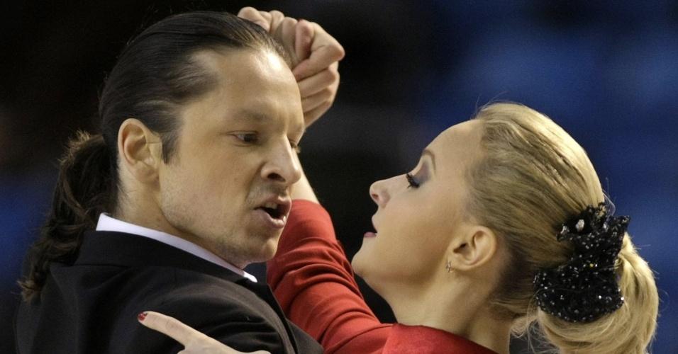 Oksana Domnina Maxim Shabalin são campeões mundiais na patinação artística, no gelo